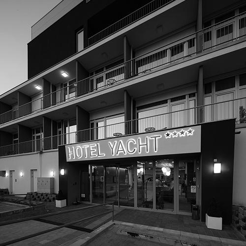 hotel-yacht-500x500-ff